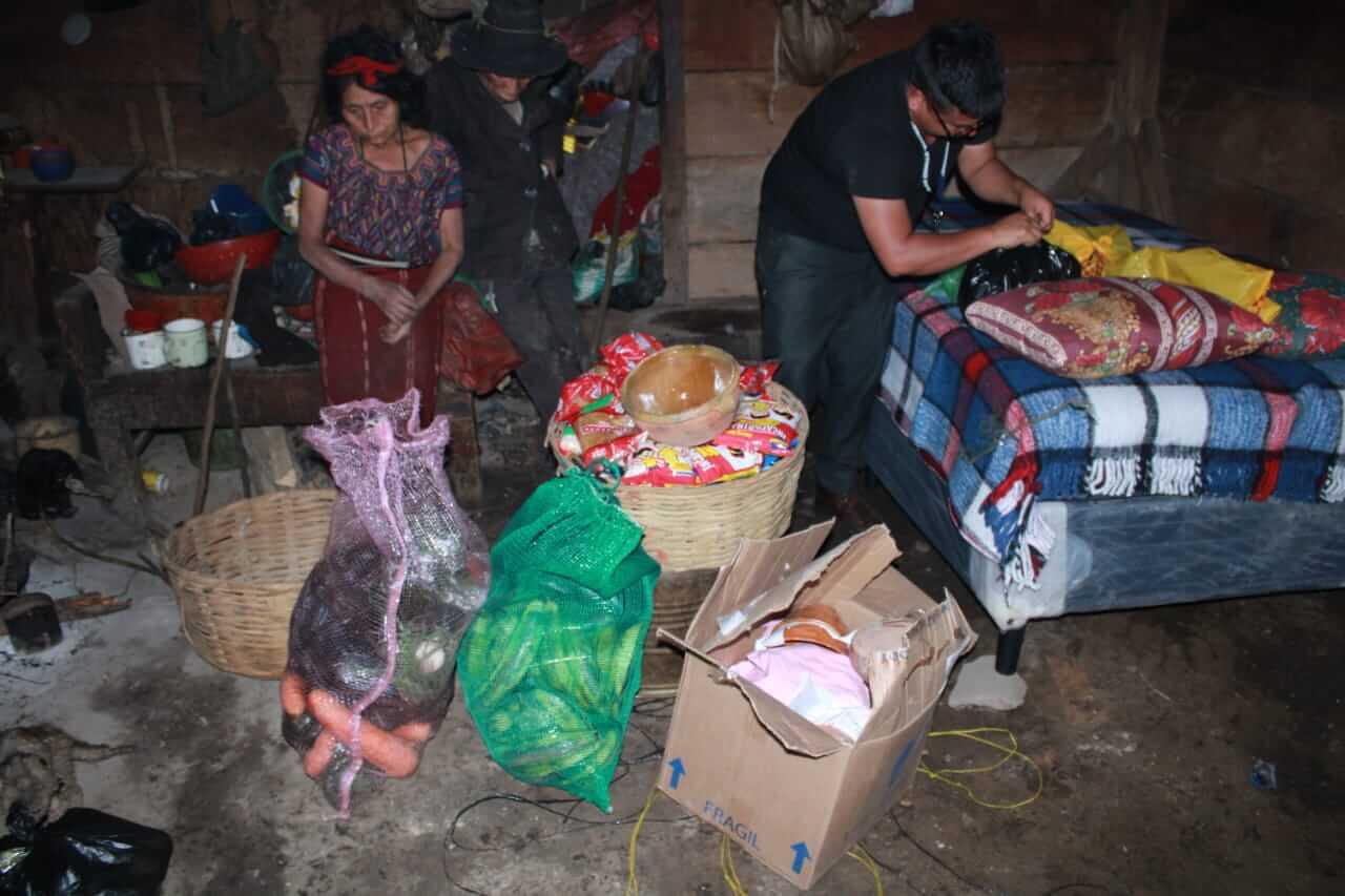 Entrega de Ayuda Guatemala